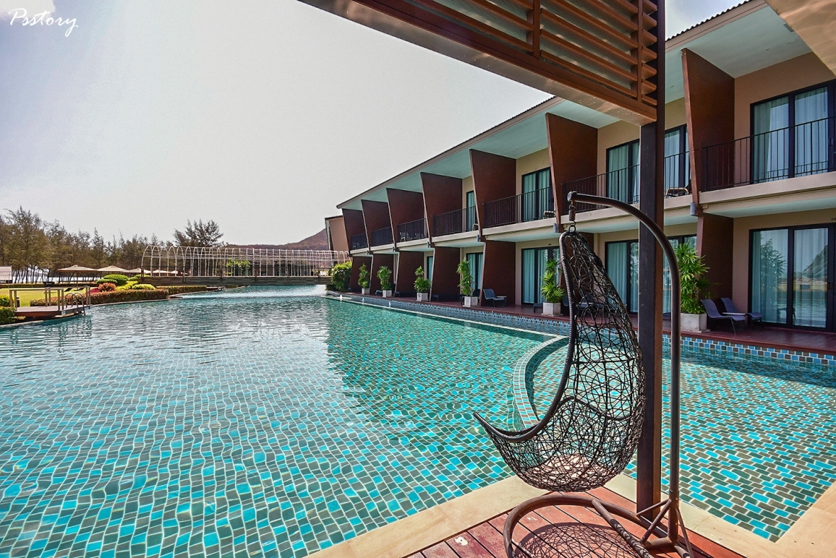 Away Pranburi Beach Resort (50)