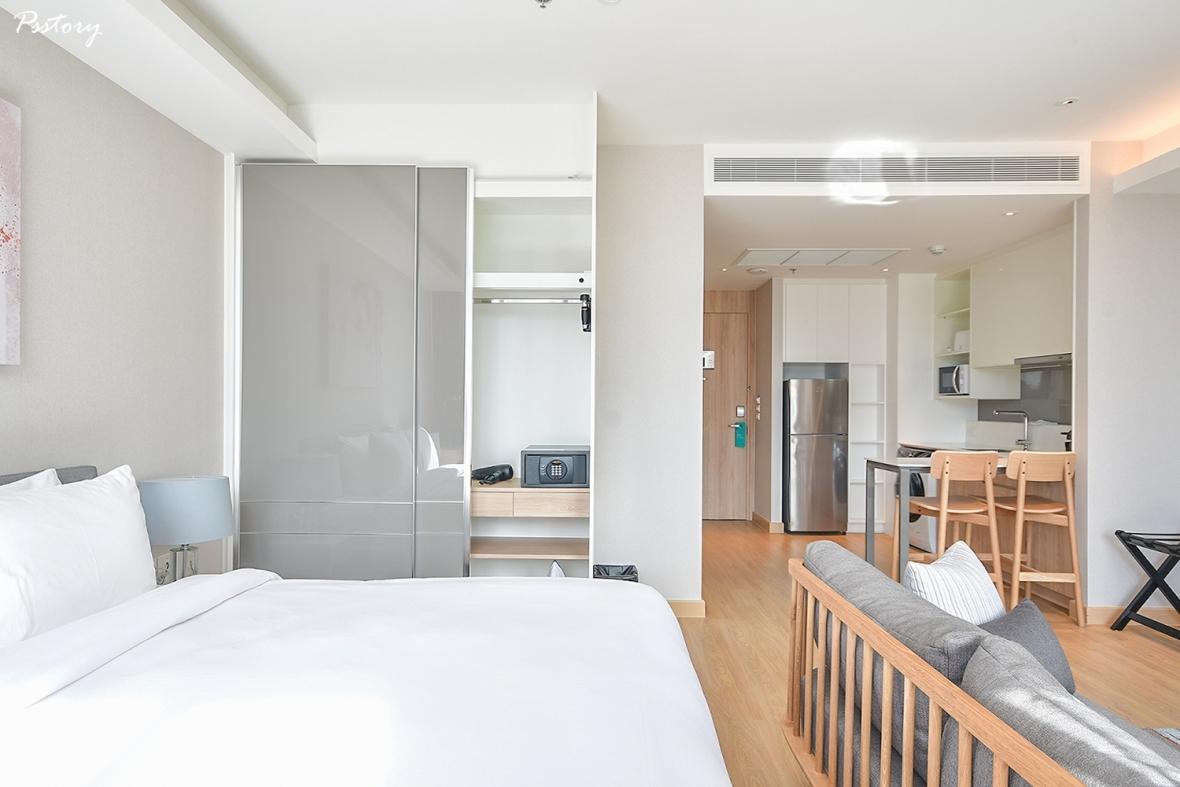 Oakwood Suite Bangkok (12)