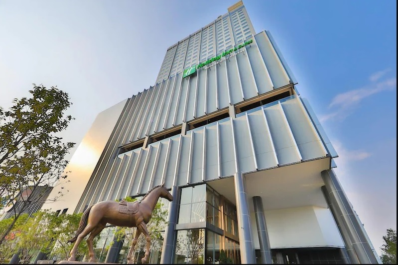 Holiday Inn & Suites Rayong City Centre (2)
